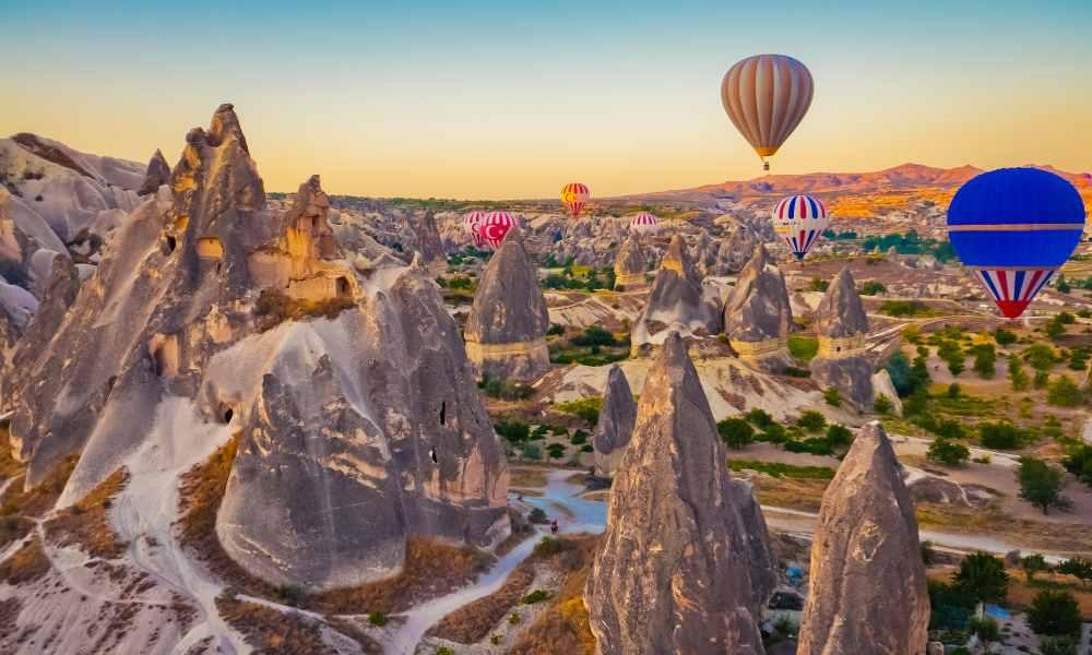 deluxe-hot-air-balloon-ride-in-cappadocia-travel-store-turkey